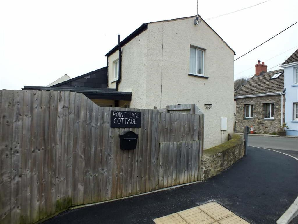 2 Bedrooms Cottage House for sale in Cosheston, Pembroke Dock