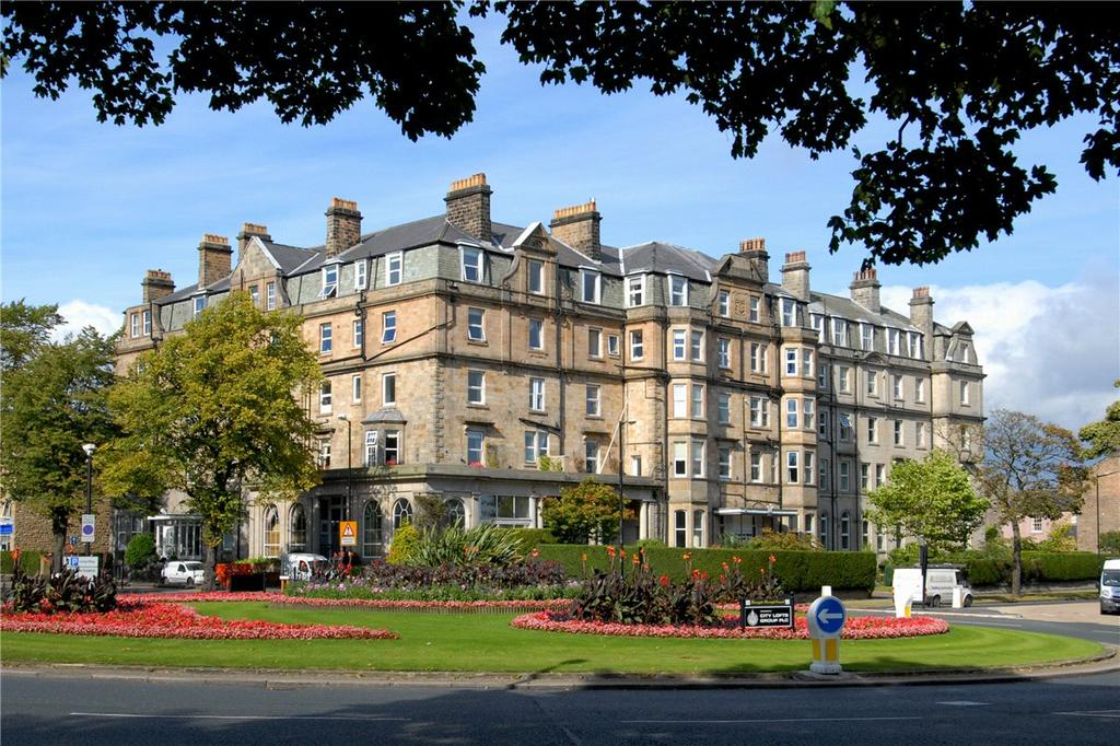 3 Bedrooms Apartment Flat for sale in Windsor Court, Prince of Wales Mansions, York Place, Harrogate, HG1