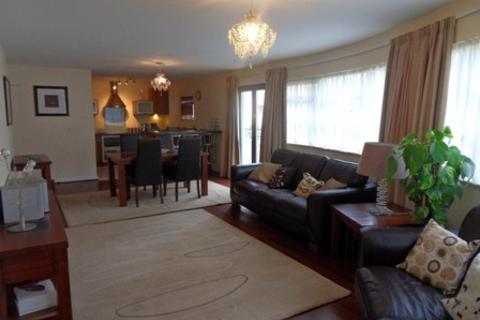 2 bedroom apartment to rent - St Catherines Court, Marina, Swansea. SA1 1SD.