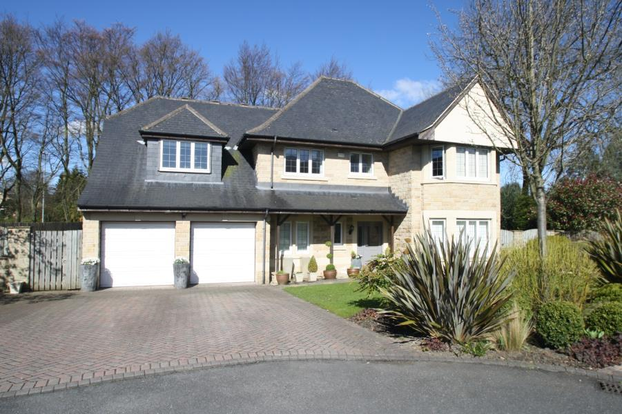 5 Bedrooms Detached House for sale in ALWOODLEY GATES, LEEDS, WEST YORKSHIRE, LS17 8FB