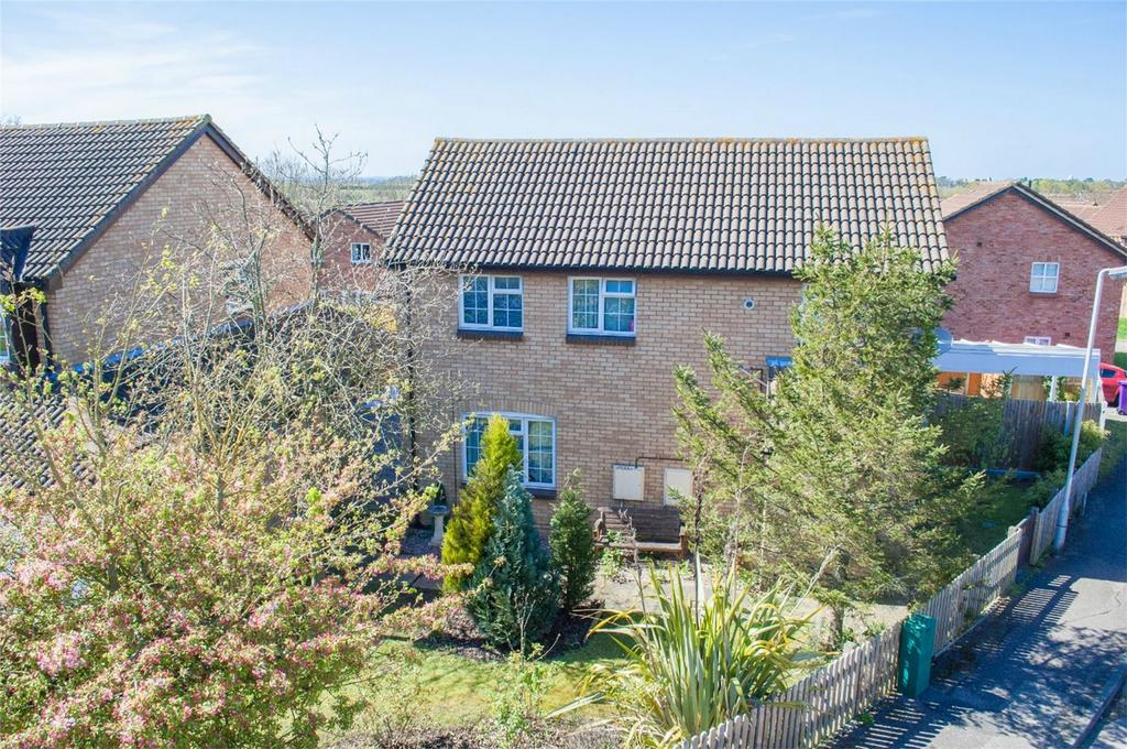 4 Bedrooms Detached House for sale in Swift Close, Letchworth Garden City, Hertfordshire