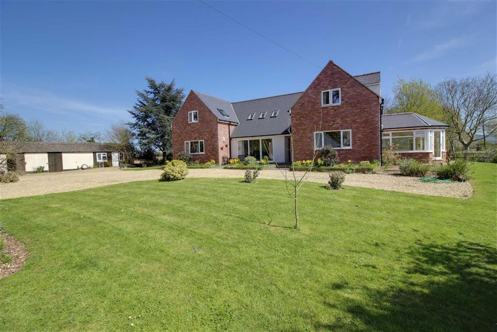 5 Bedrooms Detached House for sale in Epney, Gloucestershire