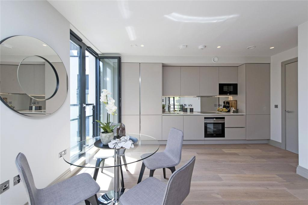 2 Bedrooms Flat for sale in Searcy House, Bolingbroke Grove, Battersea, London, SW11