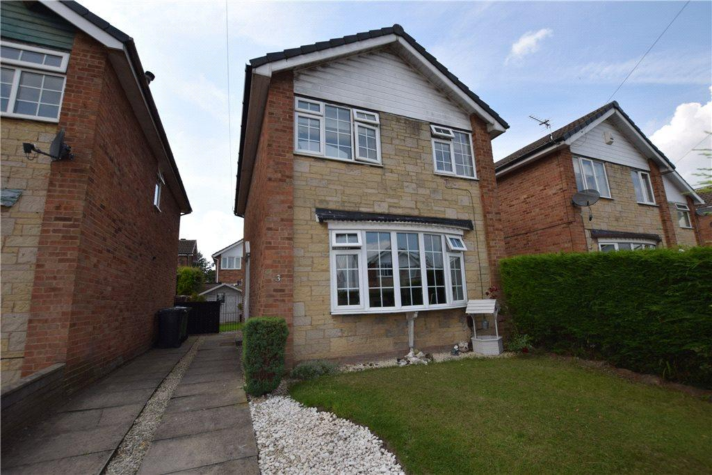 3 Bedrooms Detached House for sale in Lawns Crescent, New Farnley, Leeds