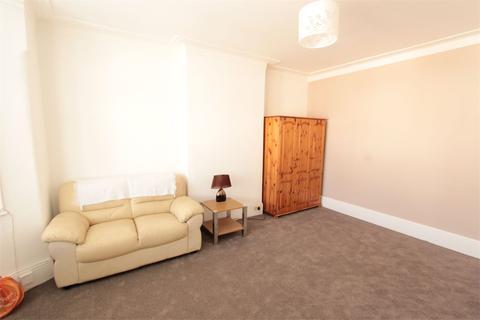 2 bedroom maisonette to rent - Eagle Road, Wembley, Greater London, HA0