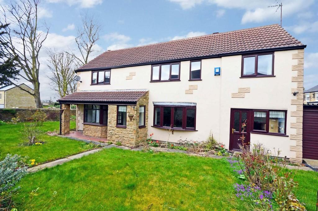 3 Bedrooms Detached House for sale in Pontefract Road, High Ackworth