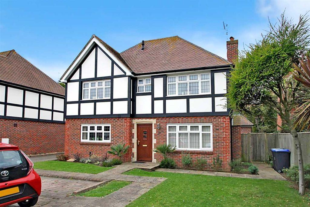 5 Bedrooms Detached House for sale in High Beeches, Downview Road, Worthing BN11 4TJ
