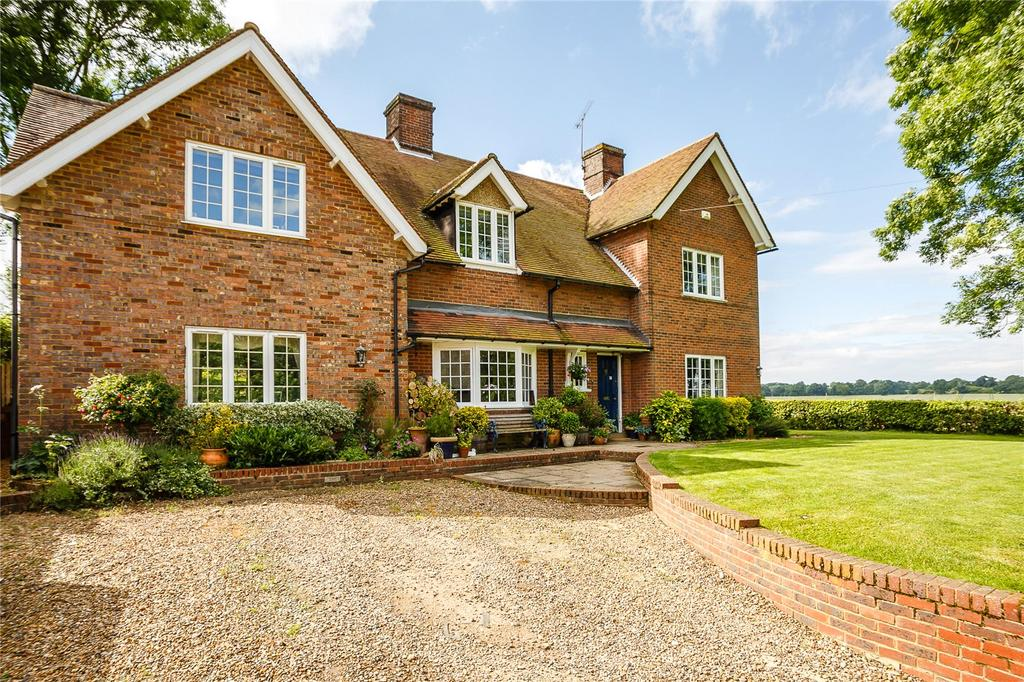 5 Bedrooms Detached House for sale in Law Hall Lane, Whitwell, Hitchin, Hertfordshire, SG4