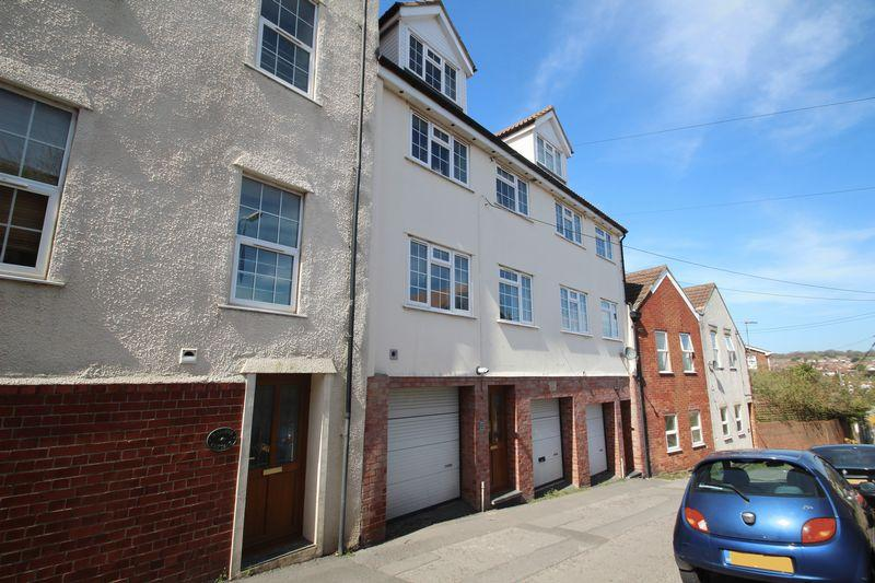 3 Bedrooms Terraced House for sale in Back Lane, Pill