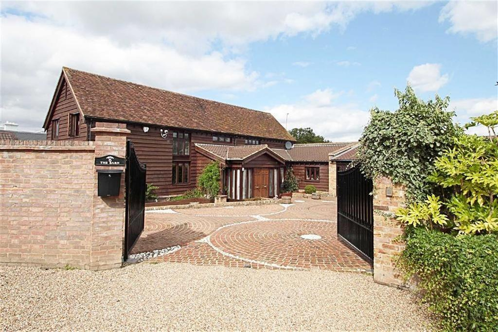5 Bedrooms Detached House for sale in Lysley Place, Brookmans Park, Hertfordshire