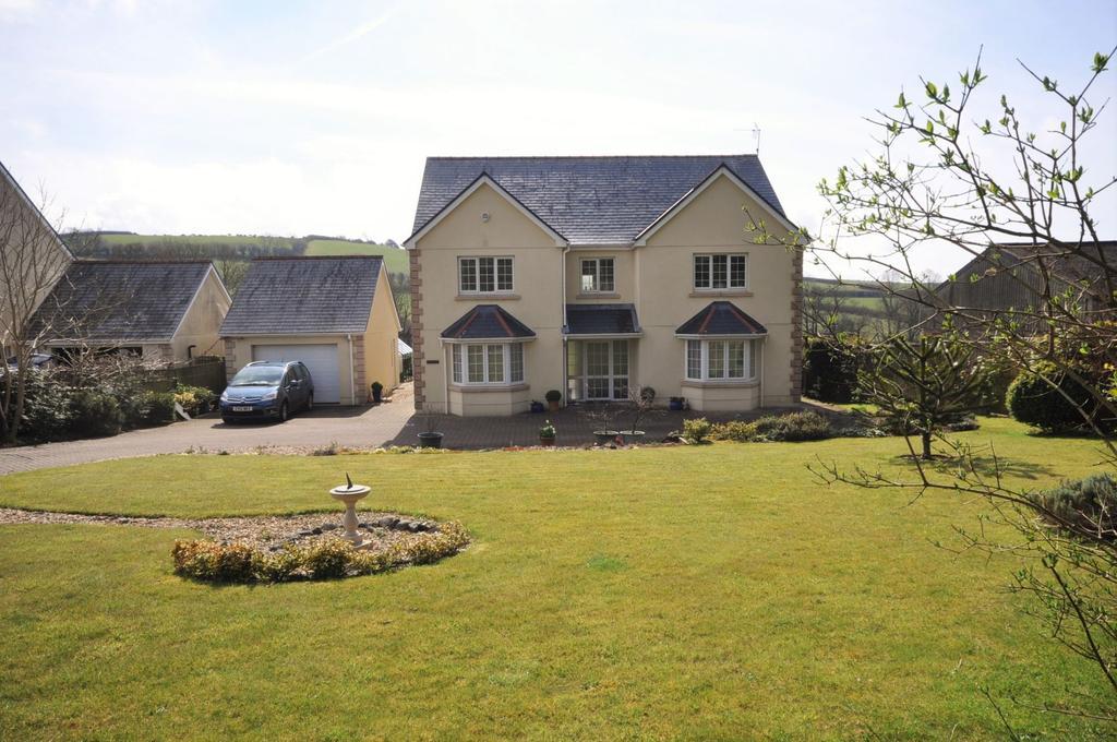 6 Bedrooms Detached House for sale in Erw Las, Llangain, Carmarthen SA33 5AH