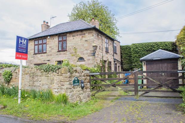 3 Bedrooms Detached House for sale in Moorwood Moor, South Wingfield, DE55