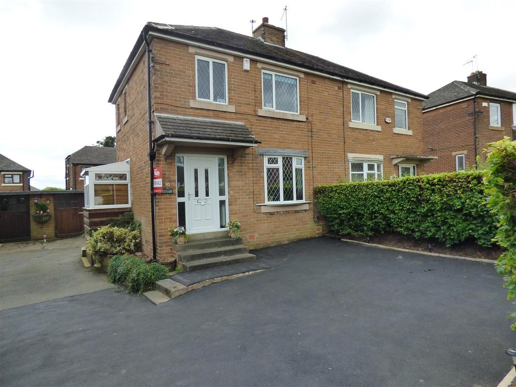 3 Bedrooms Semi Detached House for sale in Moorside Gardens,Eccleshill, Bradford, BD2 3RE