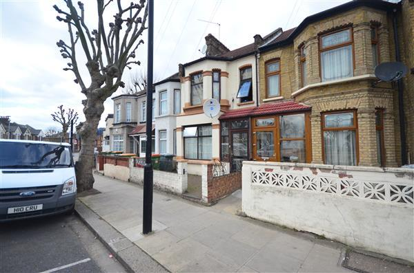 4 Bedrooms Terraced House for sale in Mandatory HMO in East Ham