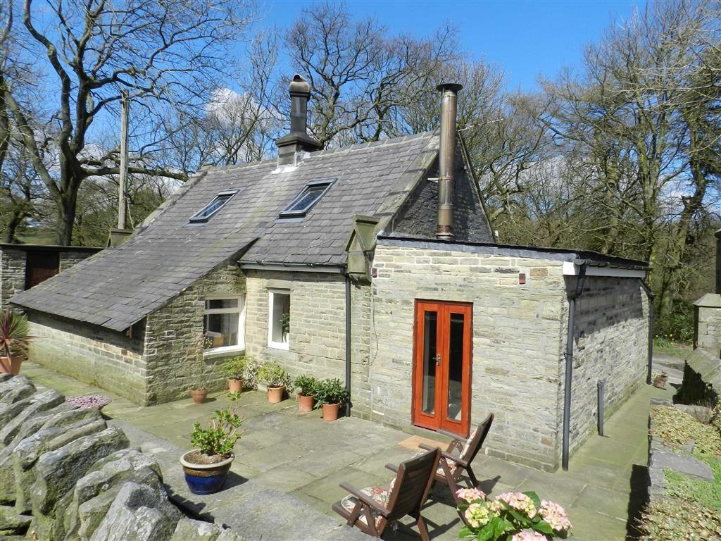 3 Bedrooms Equestrian Facility Character Property for sale in Greenfield Road, Holmfirth, Holmfirth, HD9