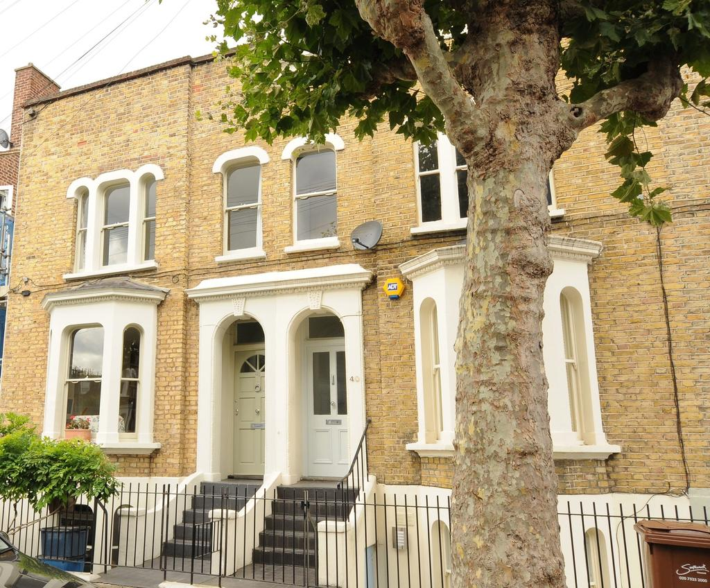 3 Bedrooms Town House for sale in Sharsted Street, SE17