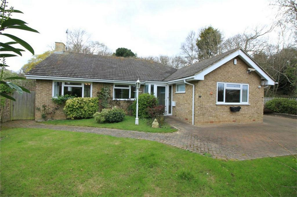 3 Bedrooms Detached Bungalow for sale in 20 Waites Lane, FAIRLIGHT, East Sussex
