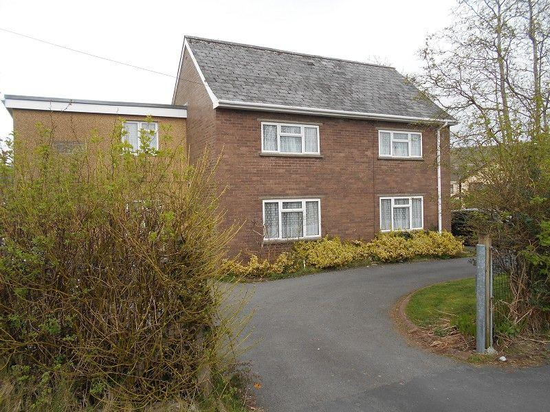 4 Bedrooms Detached House for sale in Ael Y Bryn Ystradgynlais, Swansea.