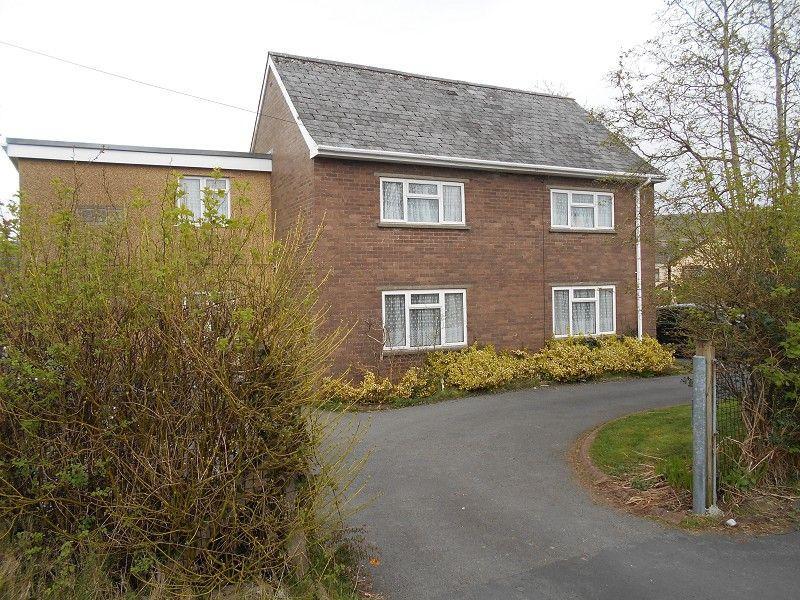 4 Bedrooms Detached House for sale in Ael Y Bryn Ystradgynlais, Swansea.