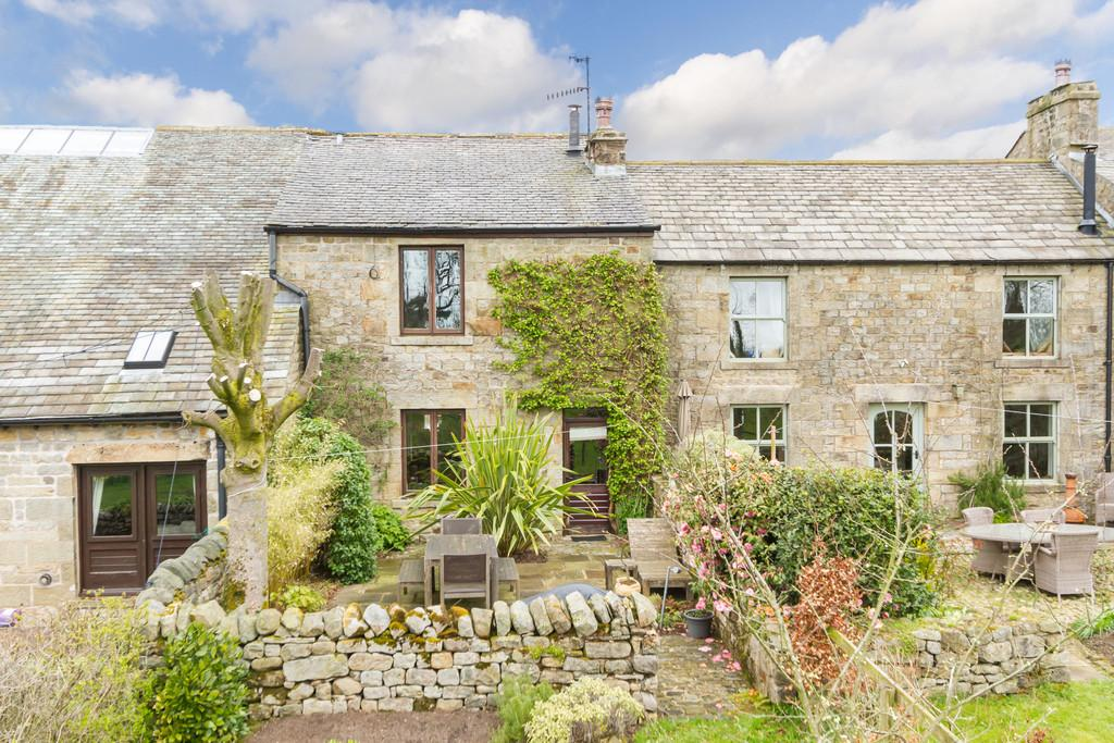 3 Bedrooms Terraced House for sale in The Gin Gang, Narr Lodge Farm, Quernmore, Lancaster, Lancashire, LA2 9EF