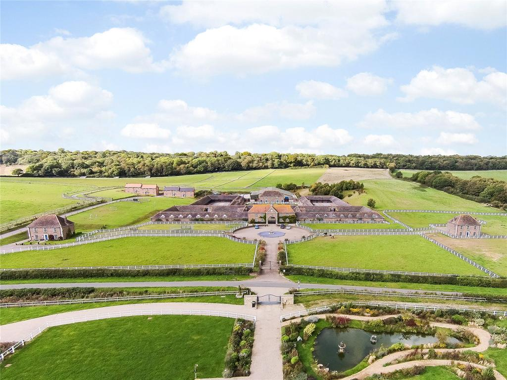 3 Bedrooms Equestrian Facility Character Property for sale in Whitcombe Racing Stables Stud, Whitcombe, Dorchester, Dorset, DT2