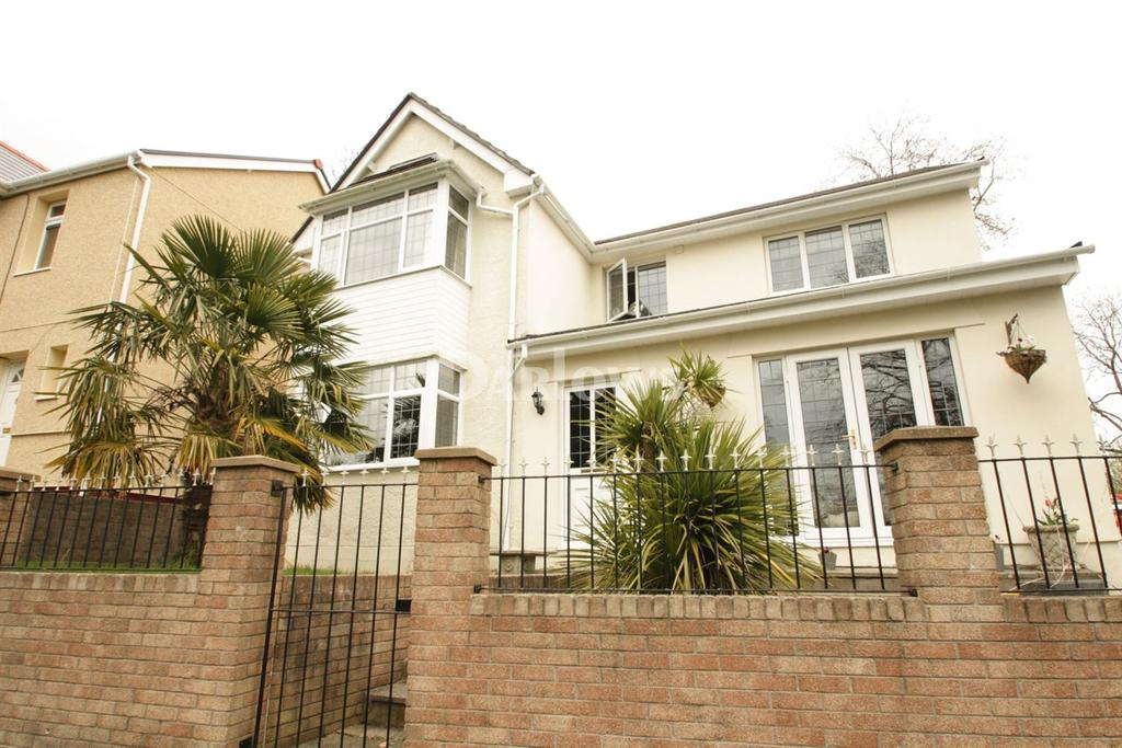 4 Bedrooms Detached House for sale in Old Lane, Abersychan