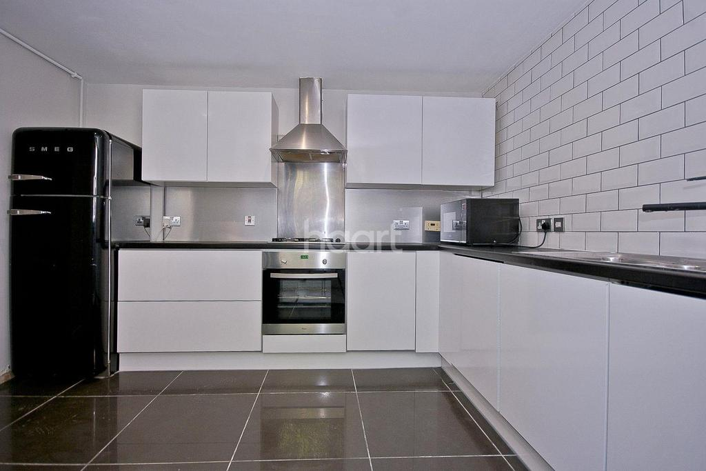 3 Bedrooms Maisonette Flat for sale in Fiveways, Brixton, SW9