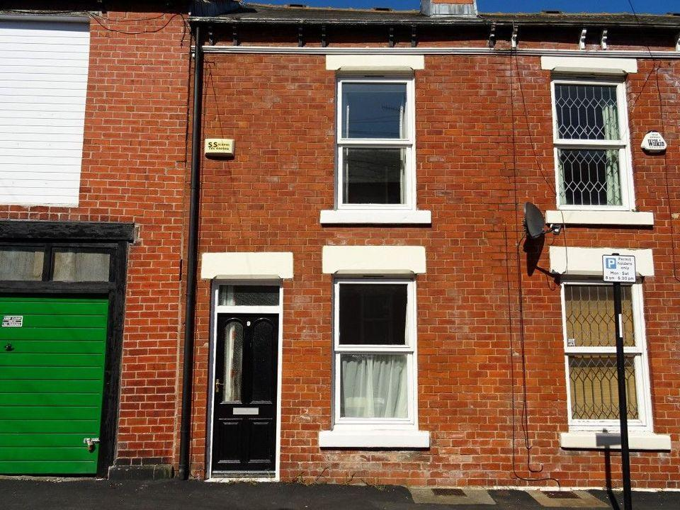 3 Bedrooms Terraced House for sale in 9 Hobart Street. Sharrow, Sheffield S11 8DB