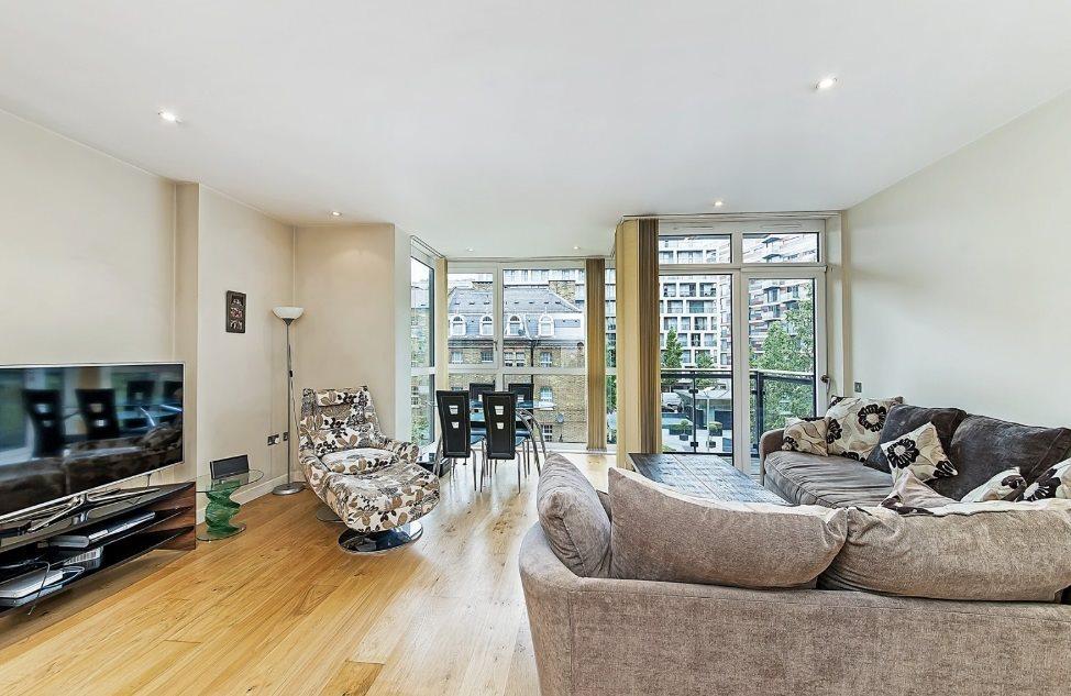2 Bedrooms Flat for sale in Hepworth Court ,Grosvenor Waterside, Chelsea