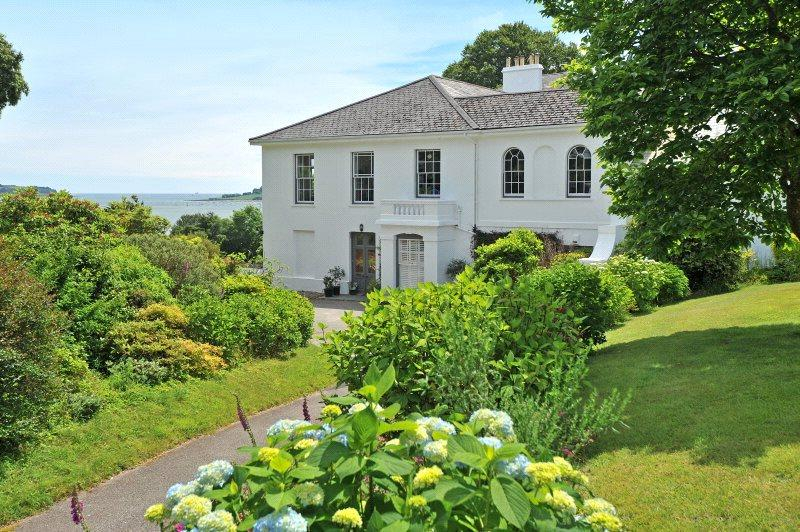 2 Bedrooms Flat for sale in Porthgwidden, Feock, Truro, Cornwall, TR3
