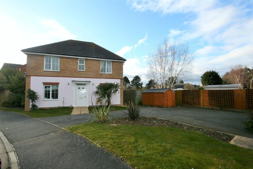 3 Bedrooms Detached House for sale in St Bedes Drive, Boston, PE21