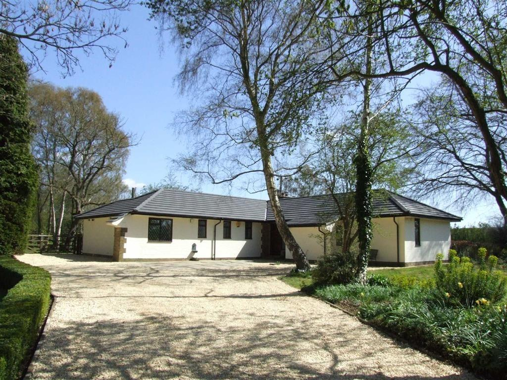 3 Bedrooms Detached Bungalow for sale in Cliffe Road, North Cliffe, East Yorkshire, YO43