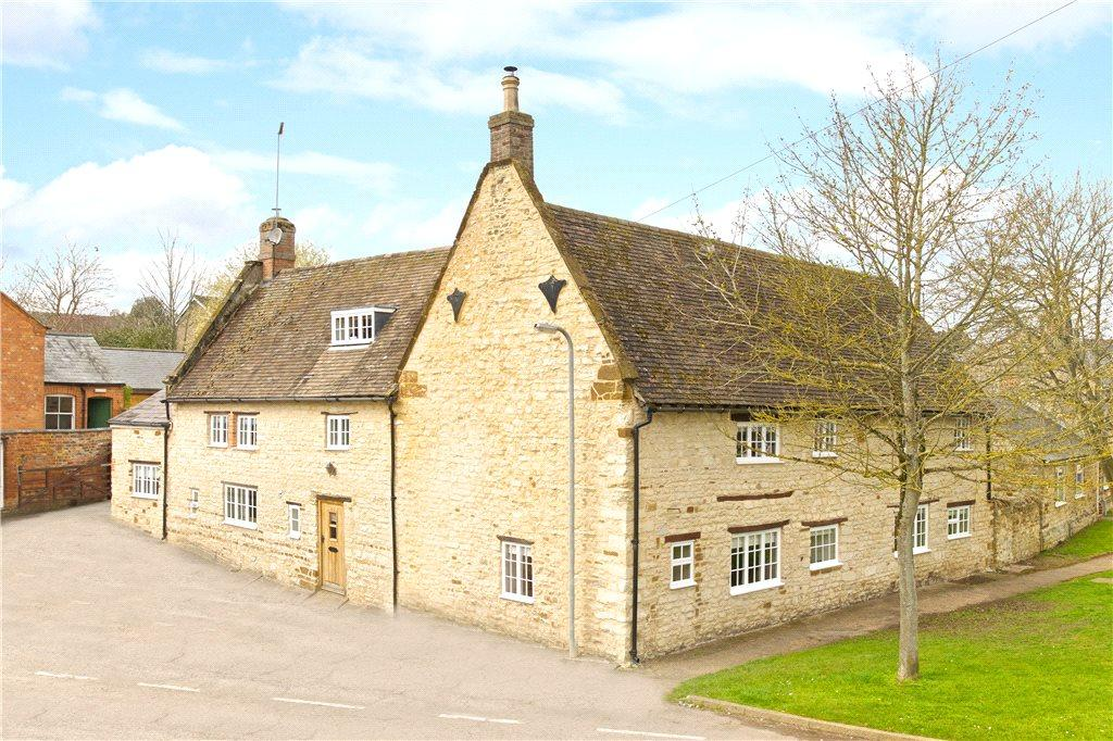 5 Bedrooms Unique Property for sale in Bradden Road, Greens Norton, Towcester, Northamptonshire