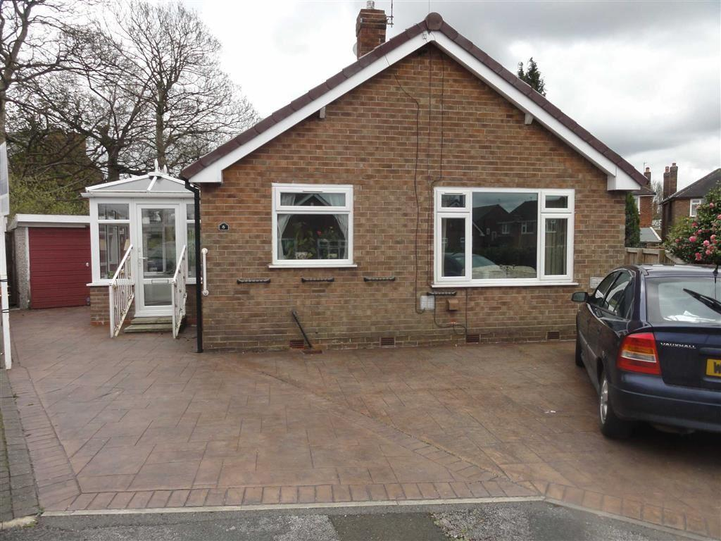 2 Bedrooms Bungalow for sale in Formby Drive, Heald Green