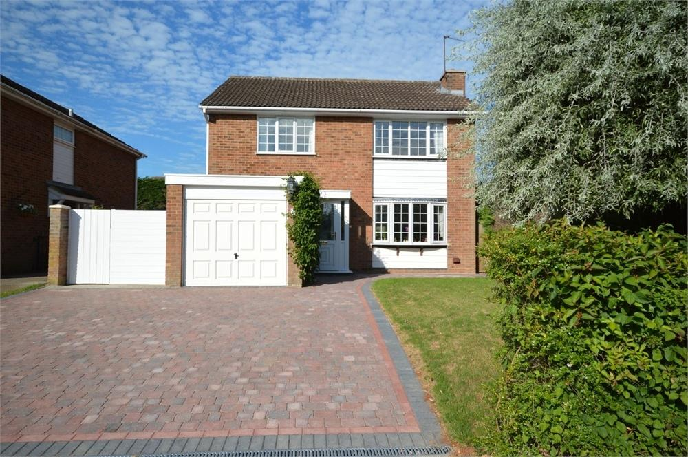 4 Bedrooms Detached House for sale in Billings Hill Shaw, Hartley