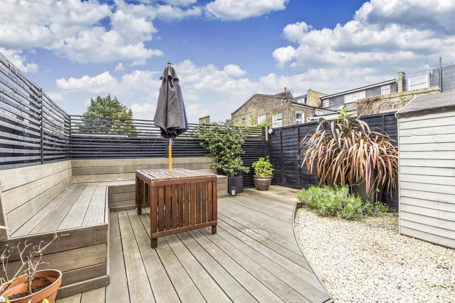 3 Bedrooms Maisonette Flat for sale in Jeddo Road, London W12