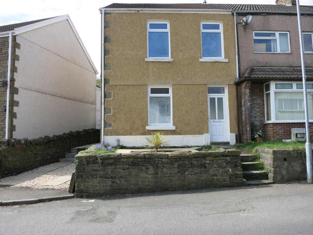 2 Bedrooms Terraced House for sale in Pentremawled Road, Morriston, Swansea.