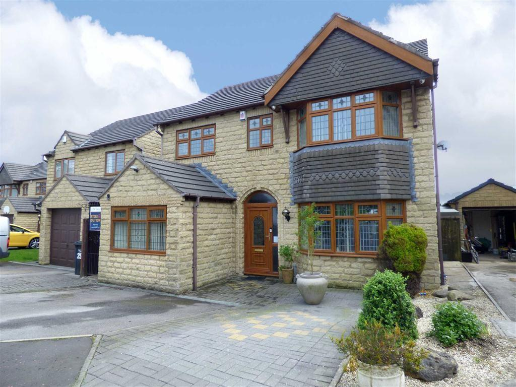 5 Bedrooms Detached House for sale in Whitley Drive, Holmfield, Halifax, West Yorkshire, HX2
