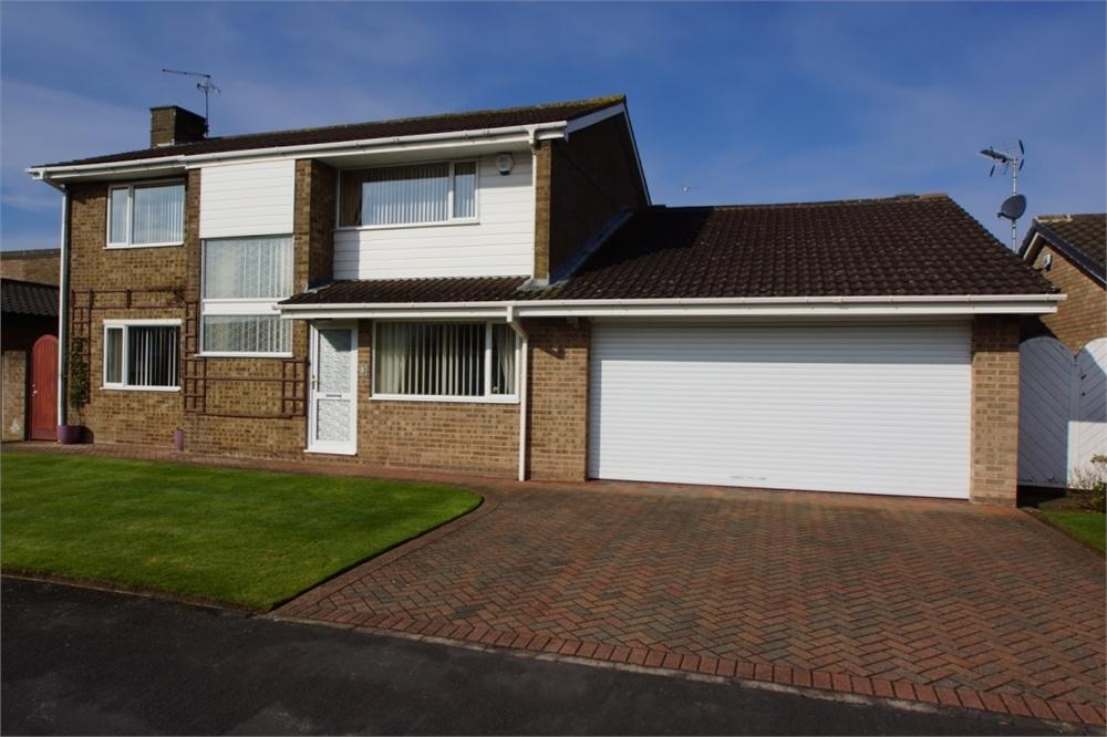 4 Bedrooms Detached House for sale in Kingston Drive, Lytham, Lancashire