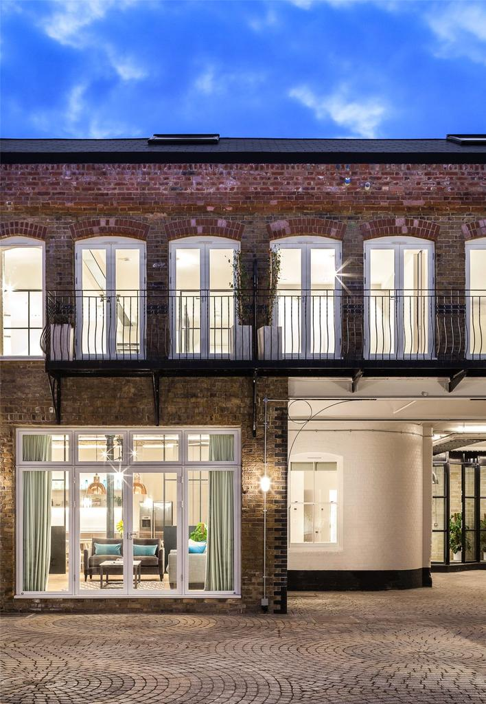 2 Bedrooms Flat for sale in Bakery Place, Altenburg Gardens, Clapham, London, SW11