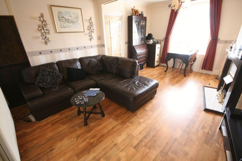 3 Bedrooms Terraced House for sale in Henddu Terrace, Holyhead, Anglesey