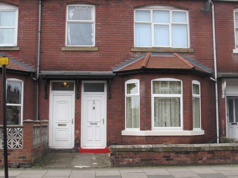 2 Bedrooms Ground Flat for sale in Park Road, Wallsend - Two Bedroom Ground Floor Flat
