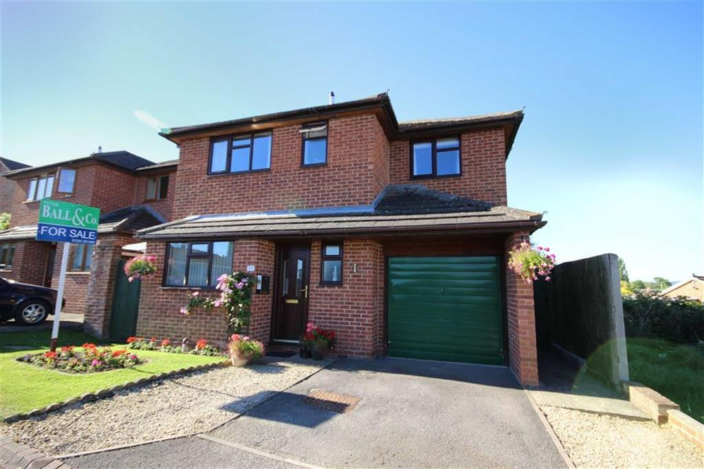4 Bedrooms Detached House for sale in Hampton Close, The Woodlands, Cheltenham, GL51