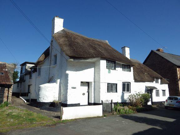 7 Bedrooms Detached House for sale in Alcombe