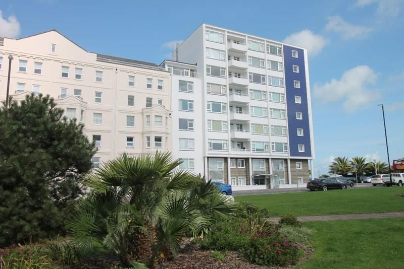 2 Bedrooms Apartment Flat for sale in King Edwards Parade, Eastbourne