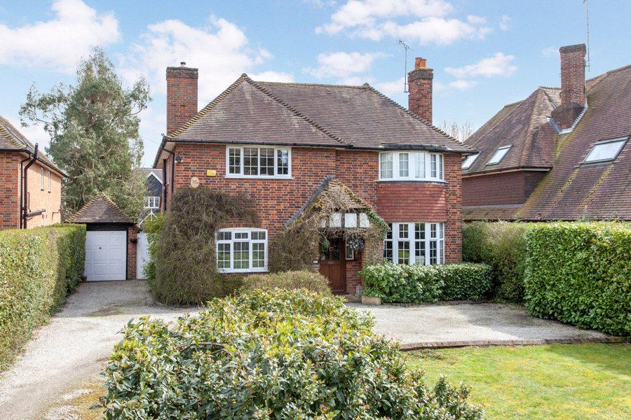 4 Bedrooms Detached House for sale in Lakes Lane, Beaconsfield, Buckinghamshire, HP9