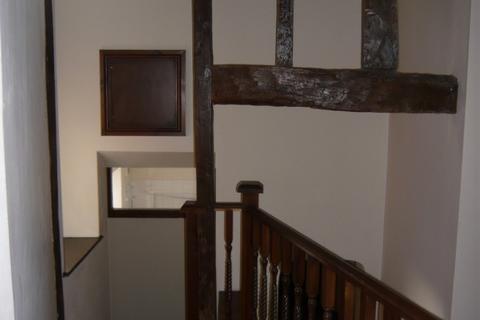 2 bedroom flat to rent - Flat 1, 67 High Street, Newport, Shropshire, TF10 7AU