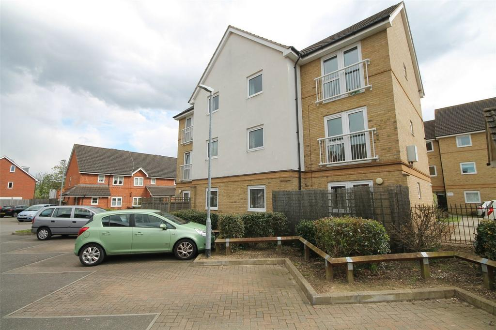 1 Bedroom Flat for sale in Marquis Court, Yeoman Drive, Staines-Upon-Thames, Stanwell, Surrey