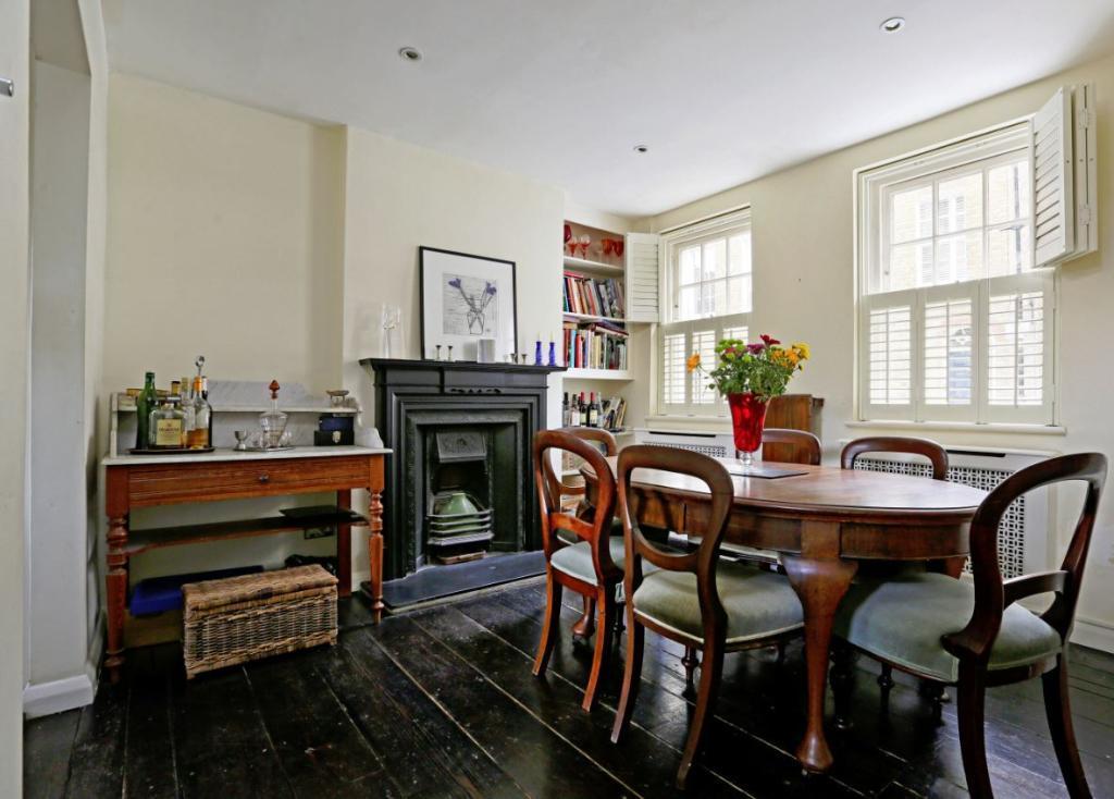 3 Bedrooms Town House for sale in Rawstorne Street, London, EC1V