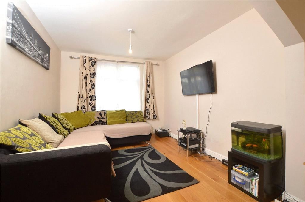 3 Bedrooms Terraced House for sale in Sudbury Crescent, Wembley, HA0